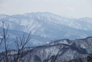 二口登山道から見る摩耶山