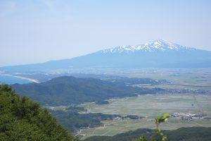 獅子畑登山道からの鳥海山