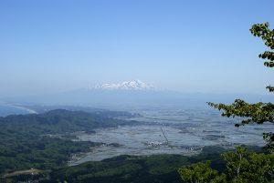 藤倉山から見る鳥海山と庄内平野