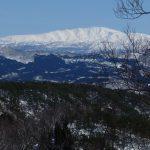 藤倉山から見る月山
